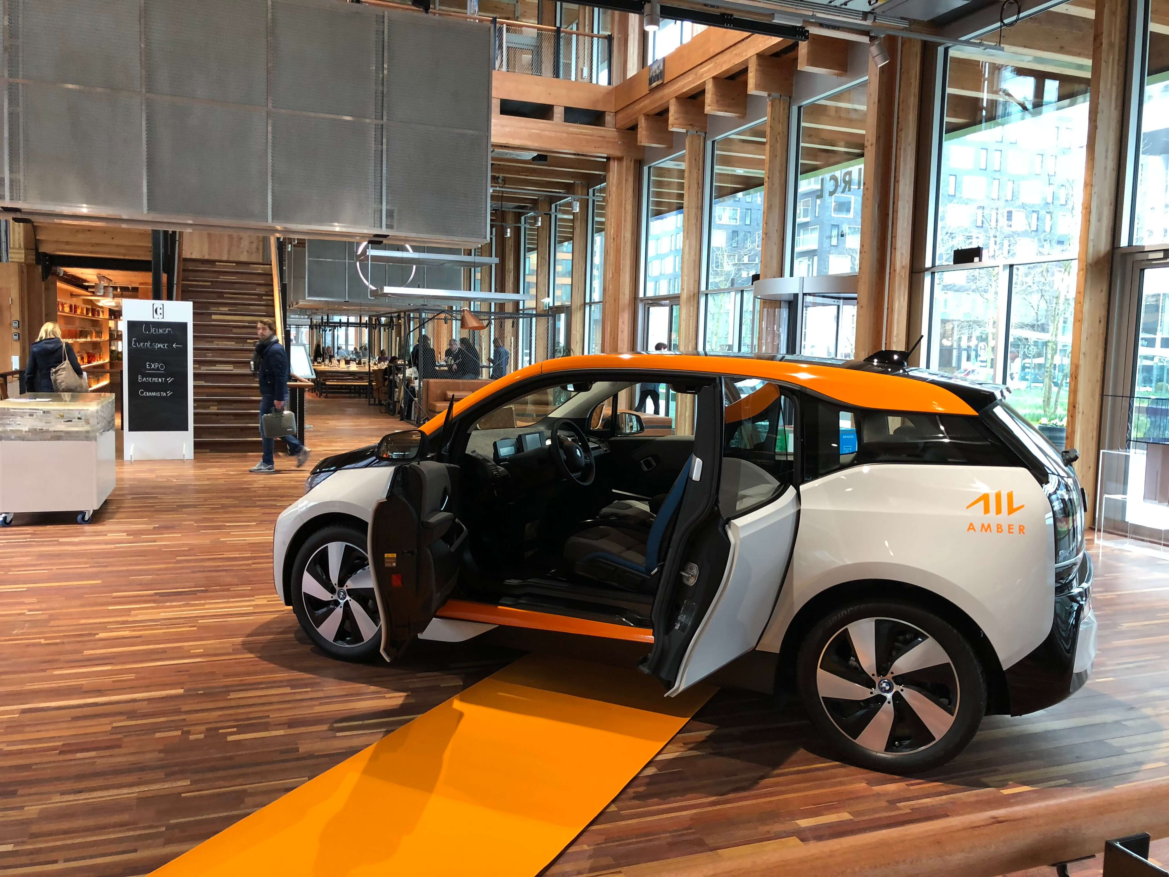 In the Zuidas business district, ABN AMRO and EY choose Amber car-sharing service
